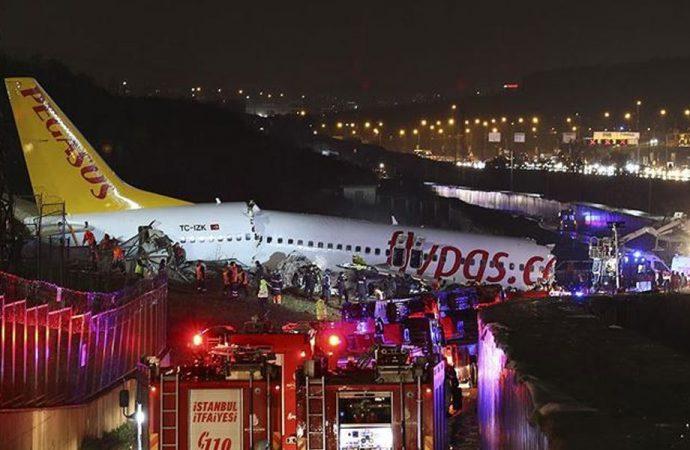 Pistten çıkan uçakta görevli dört kabin memuru kazadan şikayetçi olmadı!