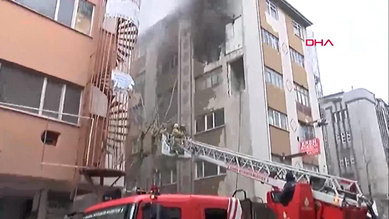 Güngören'de patlama sonrası 4. katta yangın çıktı