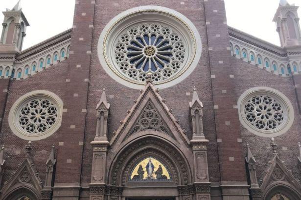 Beyoğlu'ndaki St. Antuan Kilisesi satılığa çıkarıldı