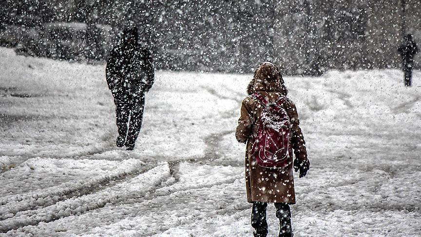Türkiye kara teslim… AKOM İstanbul'u kar ve fırtına için uyardı