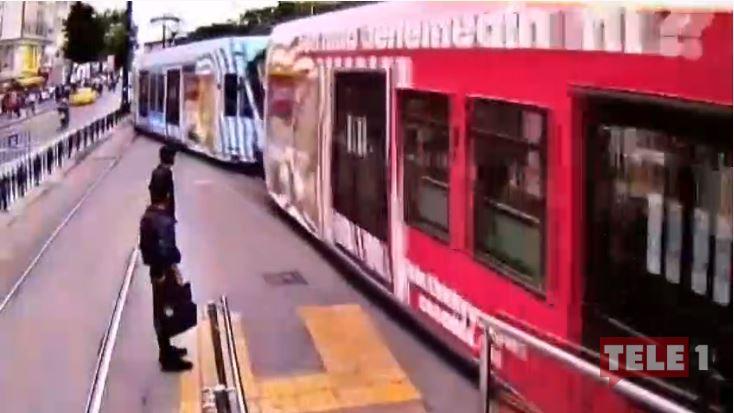 İstanbul'da tramvay yollarındaki ilginç kazaların görüntüleri ortaya çıktı