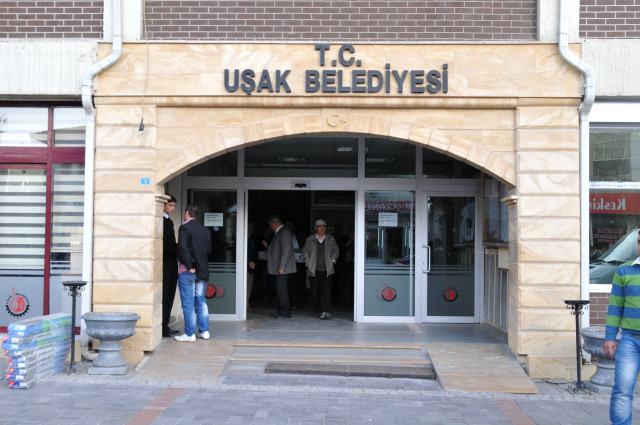 AKP'li belediyeye haciz şoku!