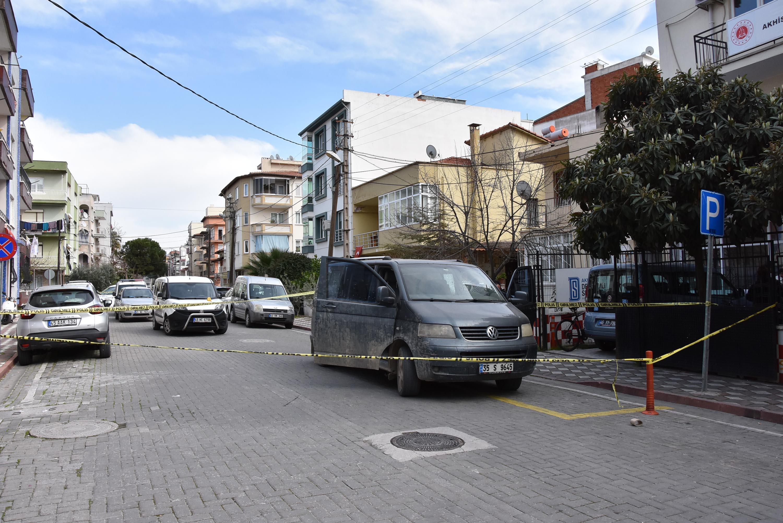 Akhisar'da sokak ortasında silahlı saldırı: 1 yaralı