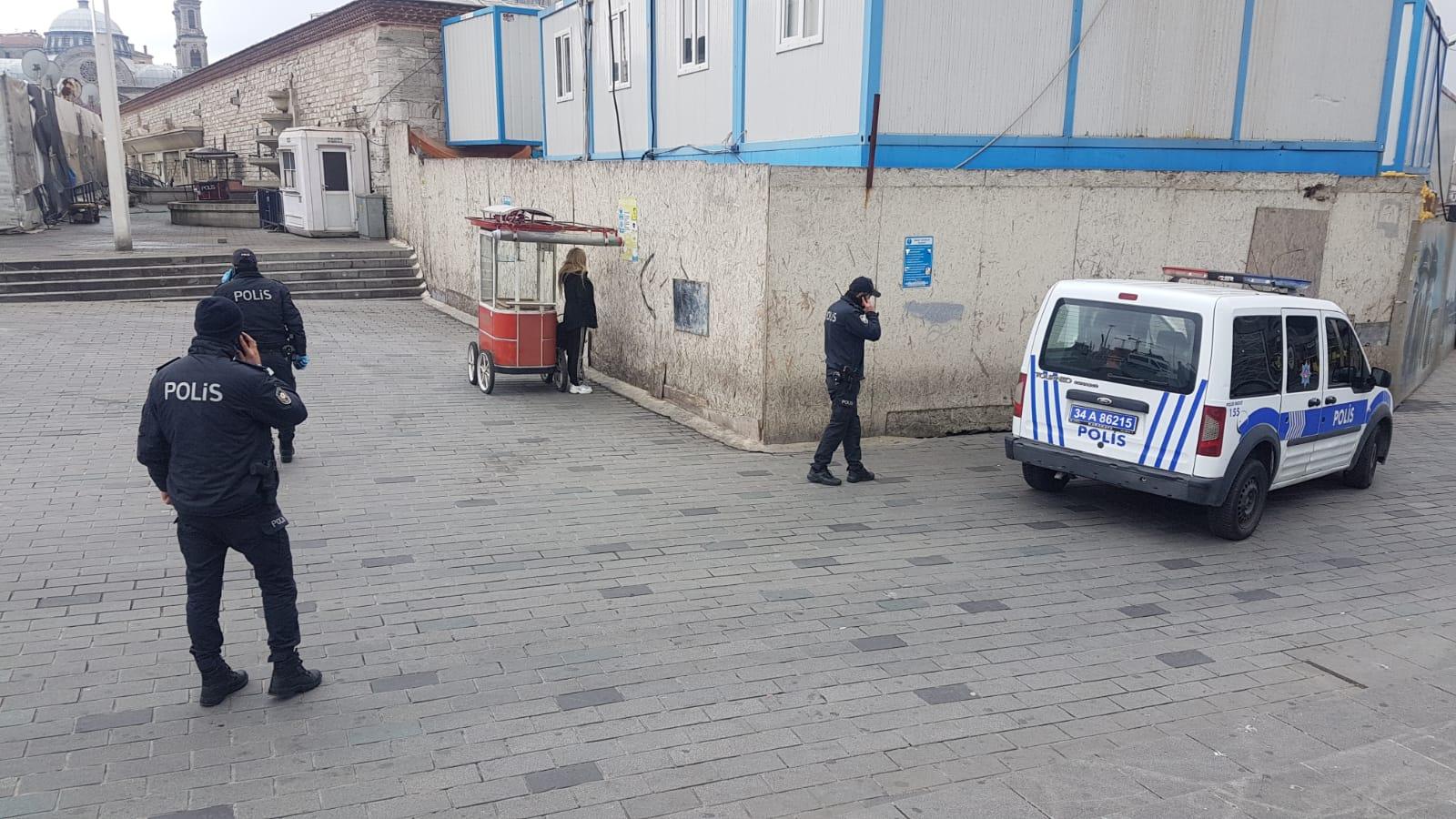 Taksim'de karantinadan kaçan kadın yakalandı