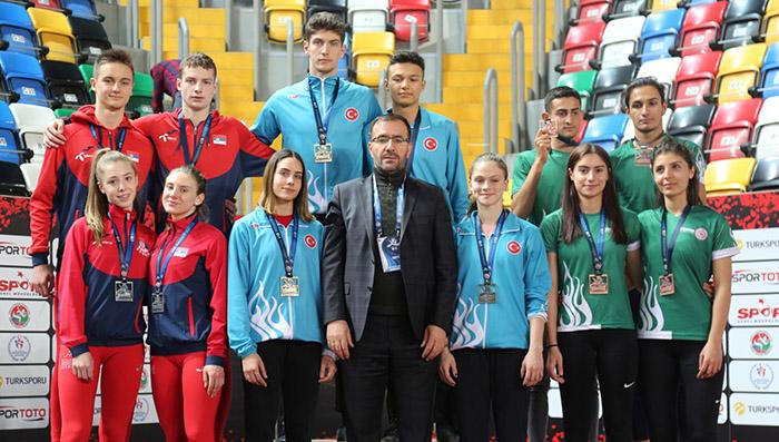 U18 Uluslararası Salon Turnuvası'nı Türkiye kazandı