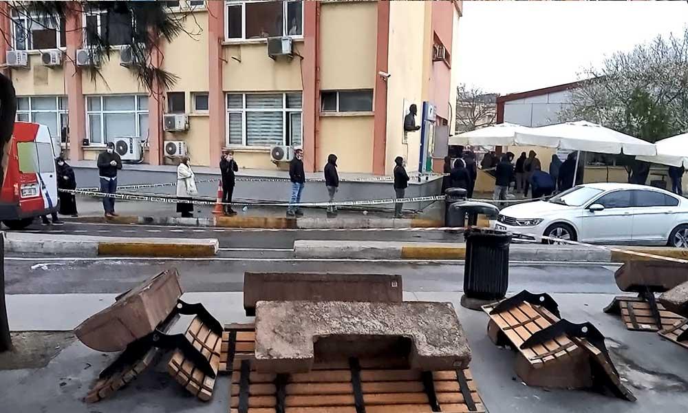 Bakırköy'de koronavirüs testi kuyruğu