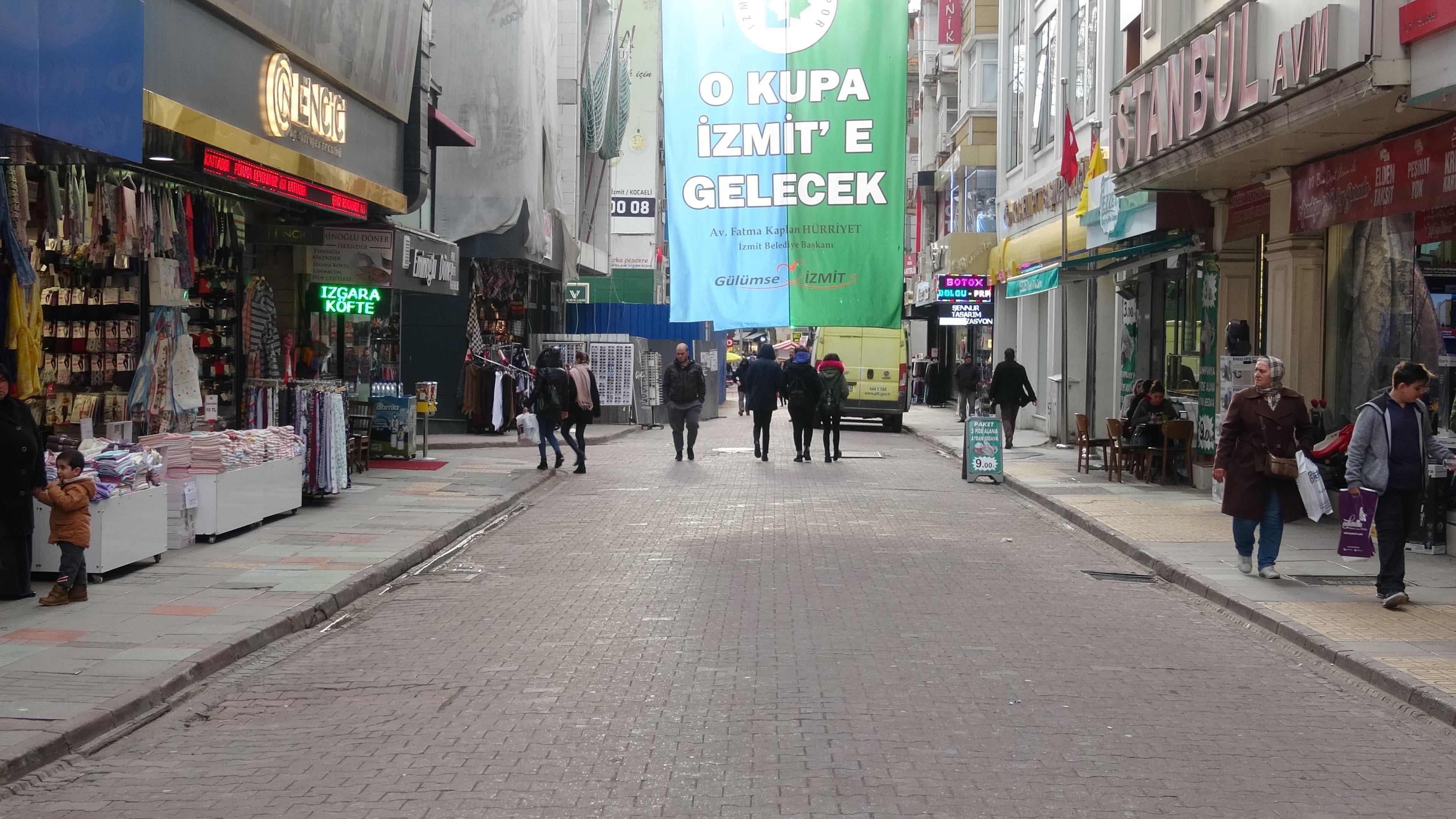 İzmit'te sokaklar boşaldı