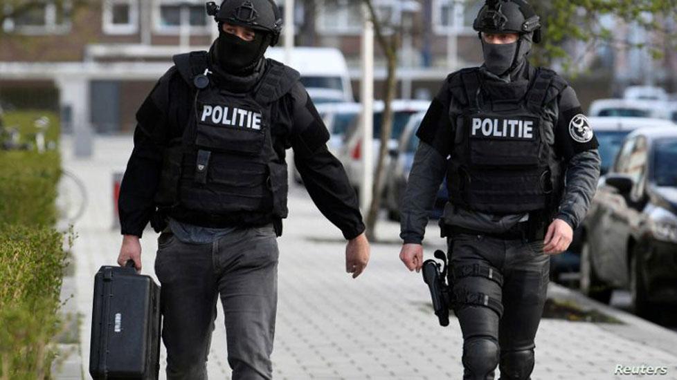 Hollanda'da 4 kişilik Türk aile evinde ölü bulundu!