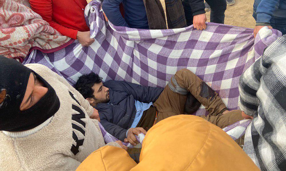 Milletvekilleri inceleme yaparken yunan askerleri mültecilere ateş açtı