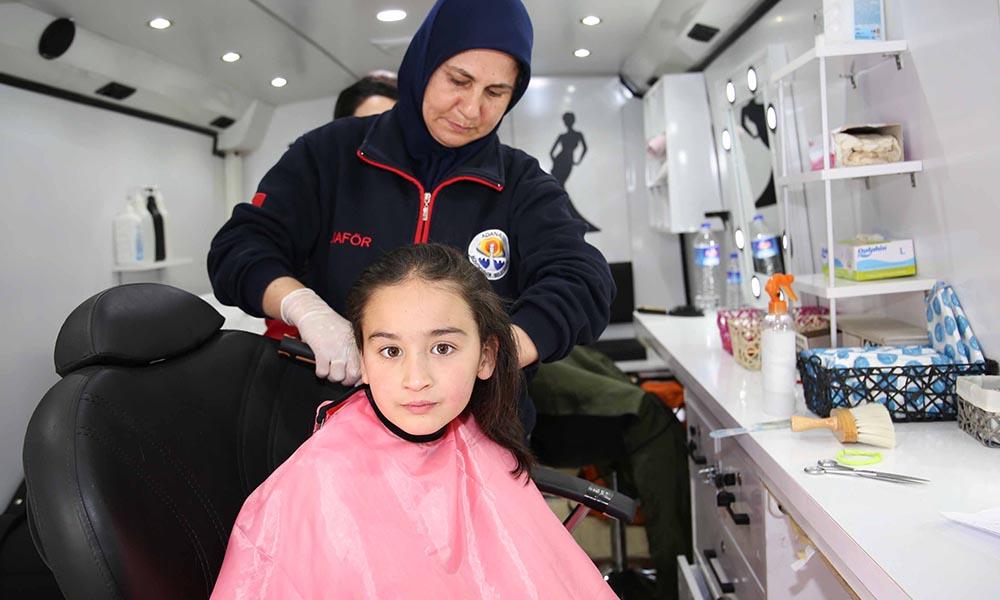 Eğlence Köyü öğrencilerinin saç tıraşı ve kuaförlük hizmeti Büyükşehirden