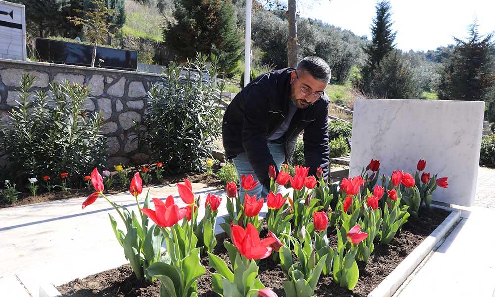 Mudanya'daki şehit mezarları çiçeklendirildi