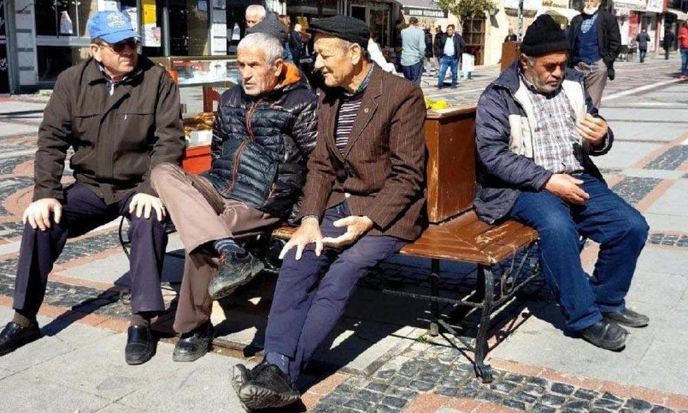 Sokağa çıkma yasağına uymayan 65 yaş üstü vatandaşlara verilecek ceza belli oldu!