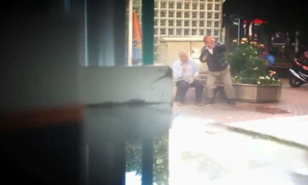 Sokağa çıkma yasağına uymayan yaşlılara, su balonları atıldı! İşte o görüntüler…