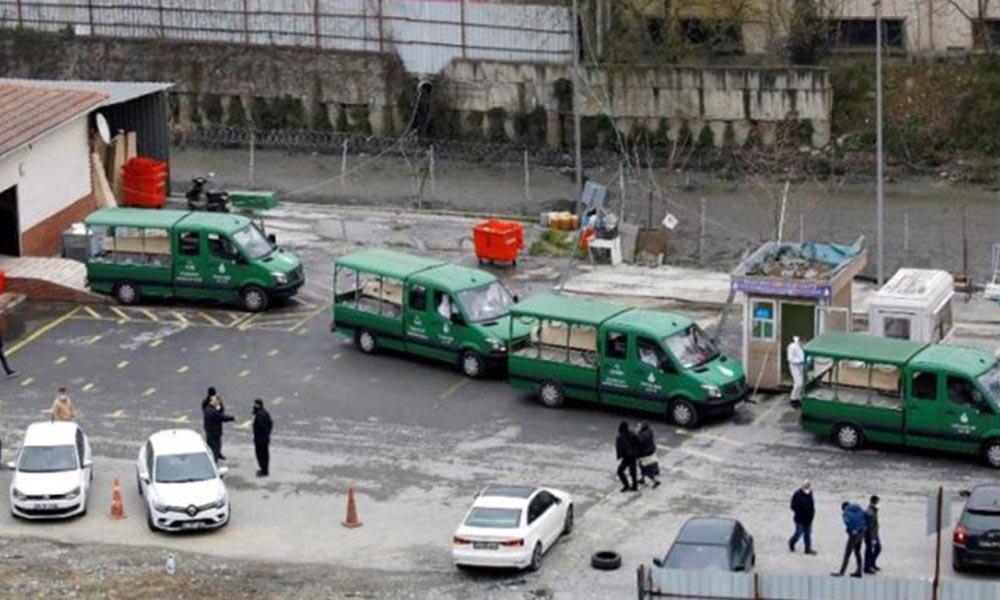 İstanbul'da vahim koronavirüs fotoğrafları! 4 cenaze aracı arka arkaya dizildi