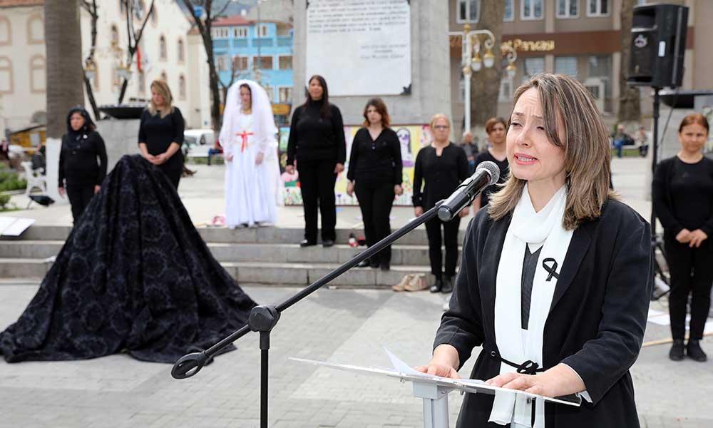 Mudanya'lı kadınlar 8 Mart'ta sokaklarda