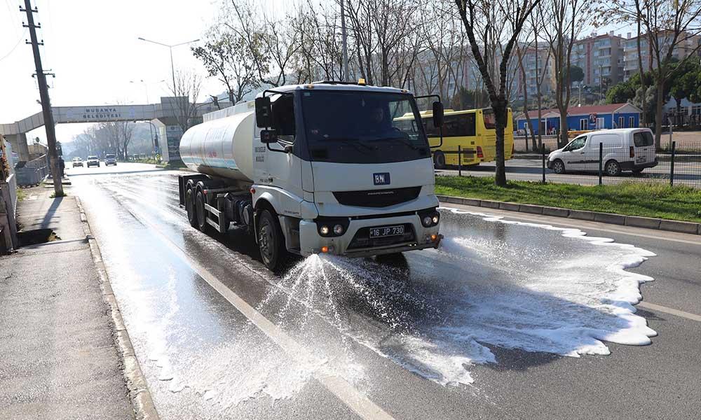 Mudanya'da cadde ve sokaklar yıkanıyor