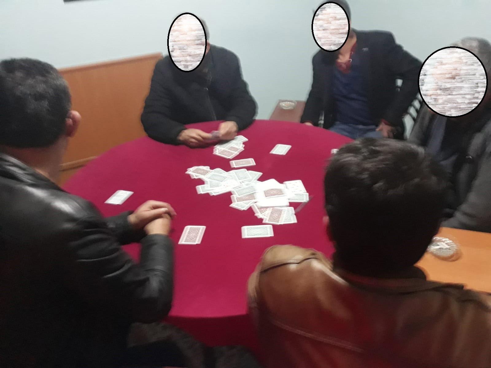Kahvehaneye çevrilen dairede kumar oynayanlara 'koronavirüs' cezası kesildi