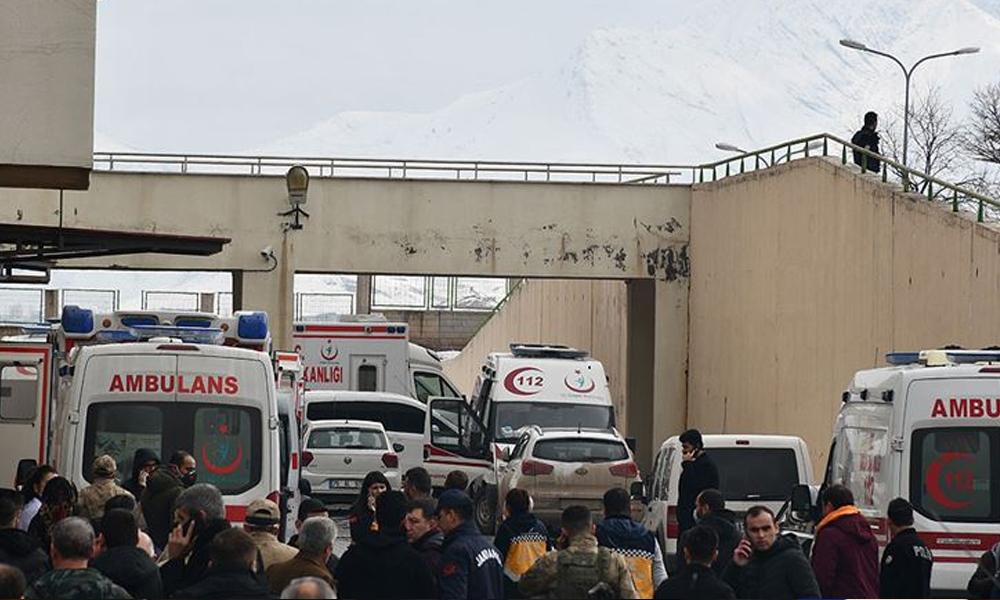 Ağrı'daki roketli saldırıda yaralanan gümrük personeli şehit oldu