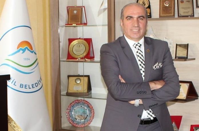 Görevden alınan HDP'li Eğil Belediye Başkanı Akkul tutuklandı