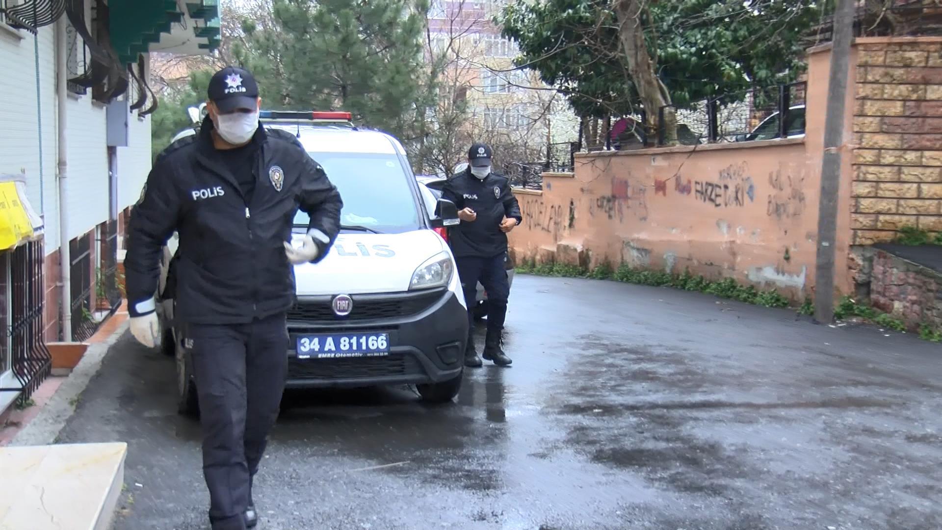 Esra Elönü'nün babası Umre dönüşü hayatını kaybetti! İstanbul Gaziosmanpaşa karantinaya alındı