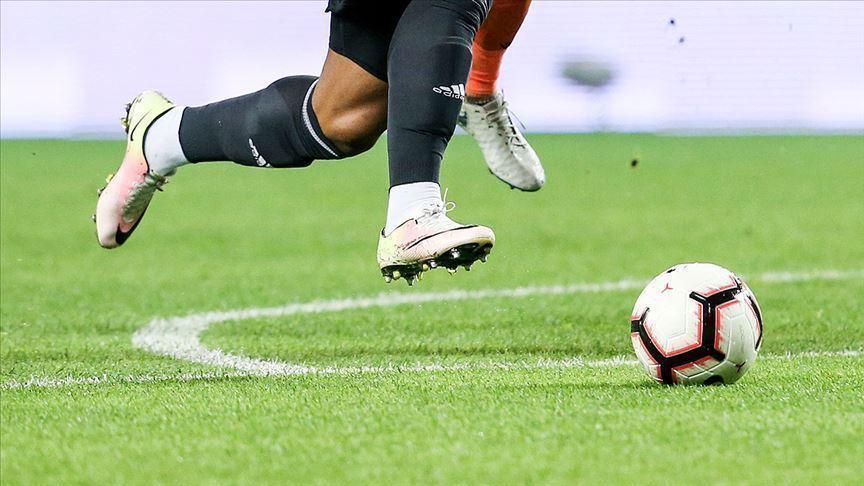 Koronavirüs vakalarından sahaya 7 kişi çıktılar, 57 dakika gol yemediler