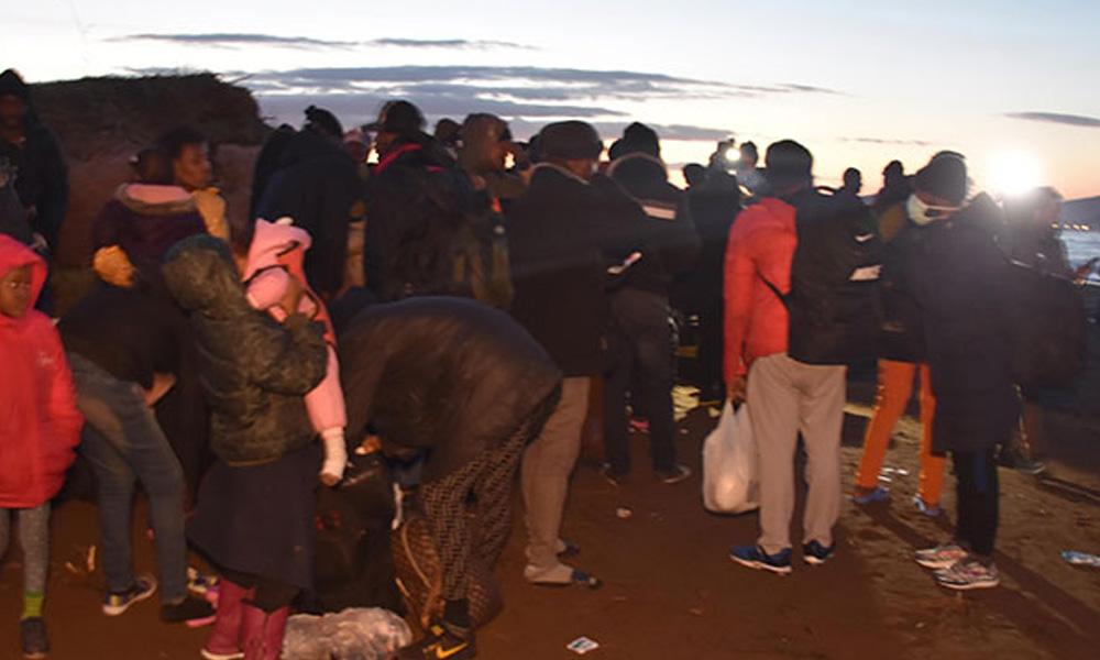Yunan polisinin saldırdığı göçmenleri kolluk güçleri sınıra yönlendiriyor