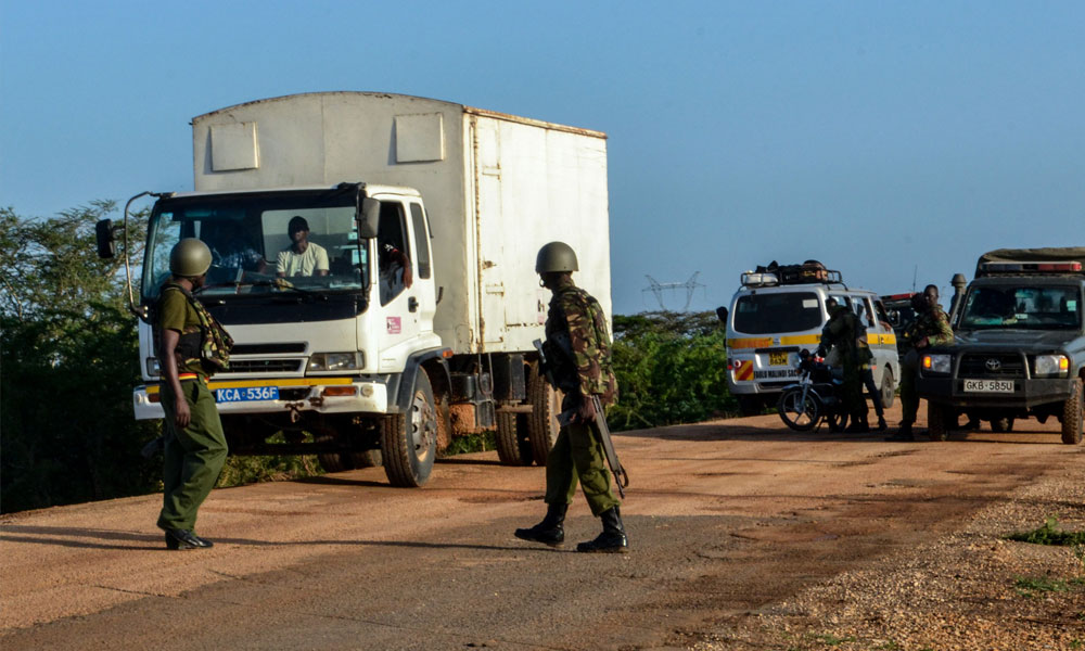 Kenya'da koronavirüs taşımakla suçlanan bir adamı döverek öldürdüler