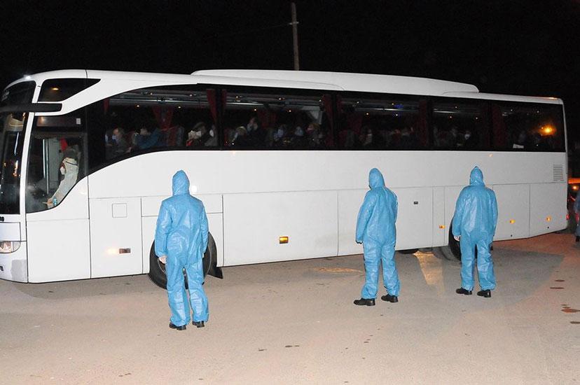 Avrupa'dan dönen 164 kişi Kocaeli'deki yurtlara yerleştirildi