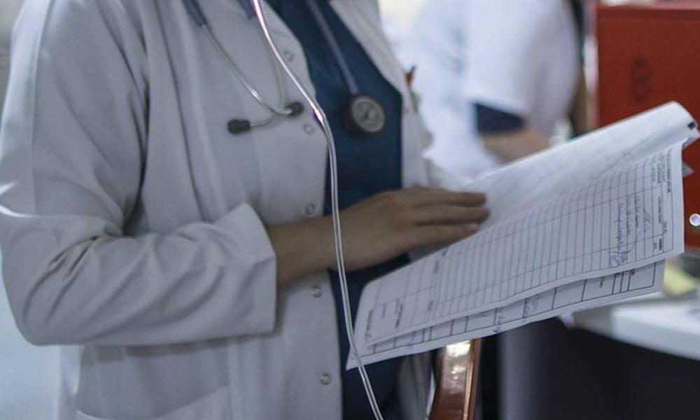 Doktor, eldiven bulunmadığı için koronadan öldü