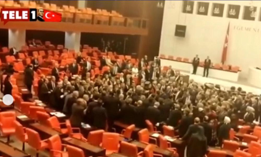 Meclis'teki kavga sonrası AKP'den açıklama: CHP Grup Başkanvekili açık bir ihanet içerisindedir