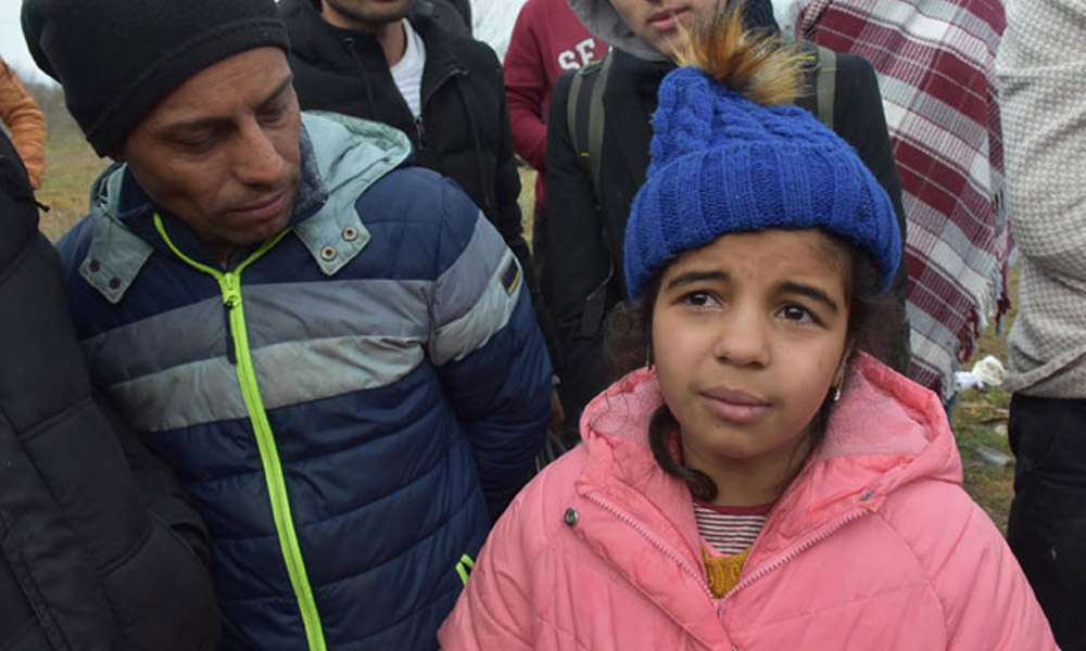 Yunanistan sınırında ailesini kaybeden 10 yaşındaki Menice'den sevindiren haber