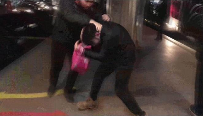 Metrobüste taciz iddiası… Tekme tokat dövüldü