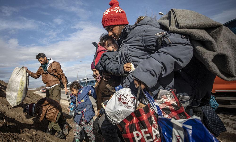 Göçmenlerle dayanışma Migros'a takıldı