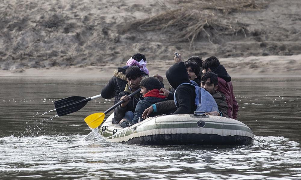 Avrupa'ya geçmek isteyen göçmenlerin İpsala'da bekleyişi sürüyor
