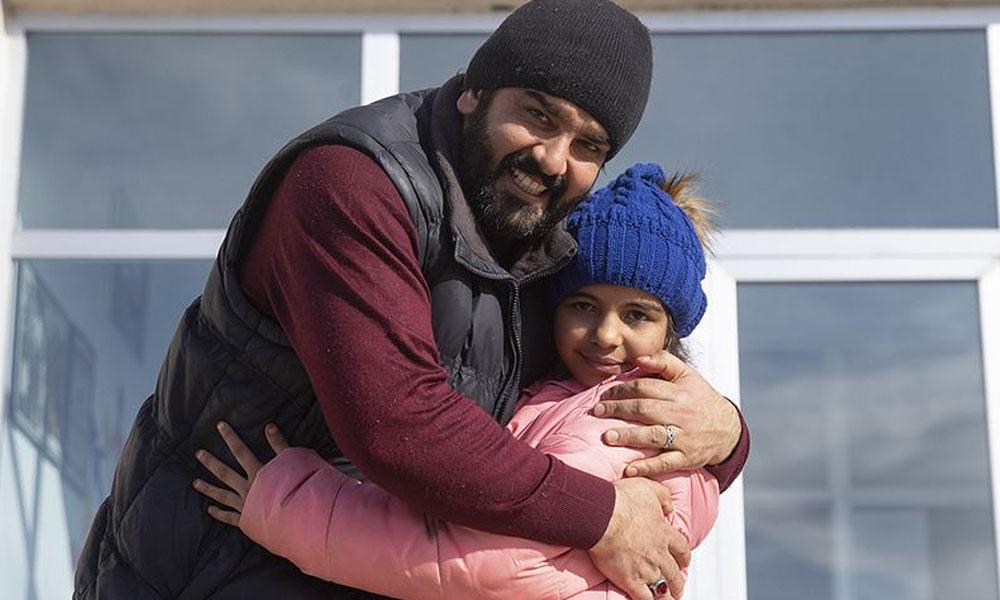 Gözyaşları içinde yardım isteyen Menice, babasına kavuştu