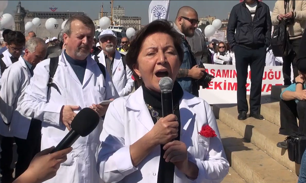 """""""Türkiye'de koronavirüs, beklenenden daha geç saptanmış oldu"""""""