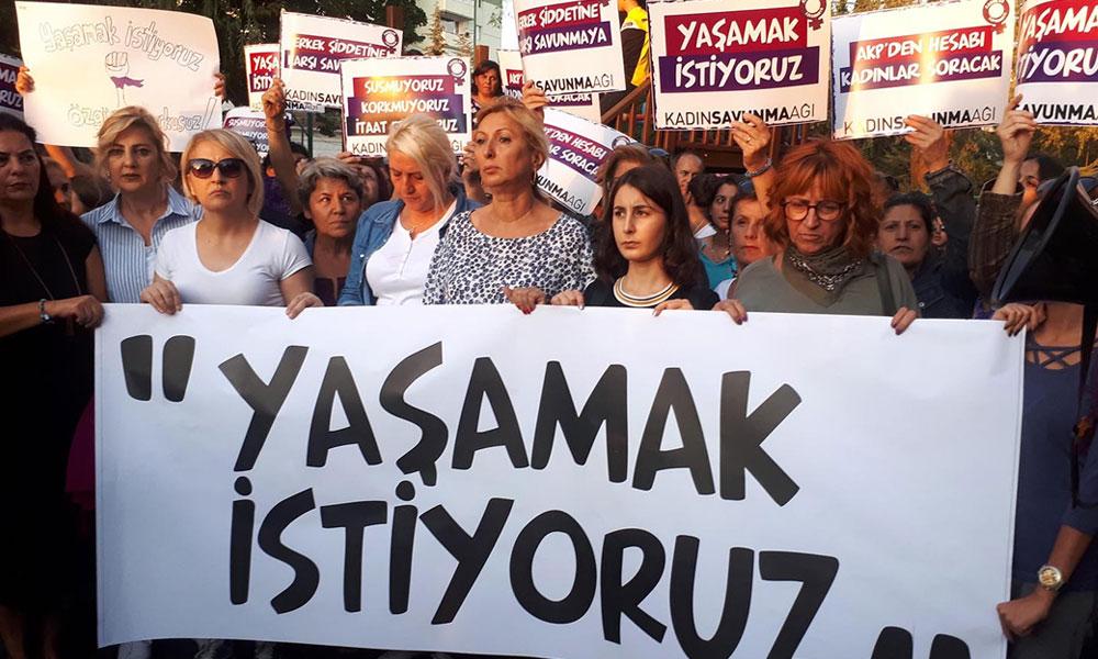 Kadın Savunması: Evlere kapanırken unutmayalım, şiddete karşı haklarımız var!