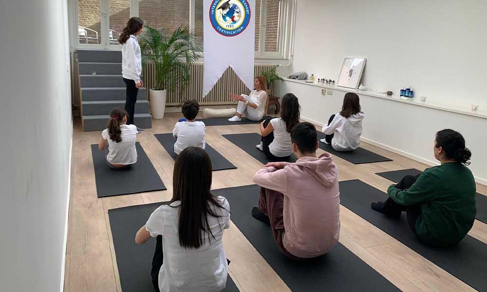 İlk yoga sertifikaları sahiplerini buldu!