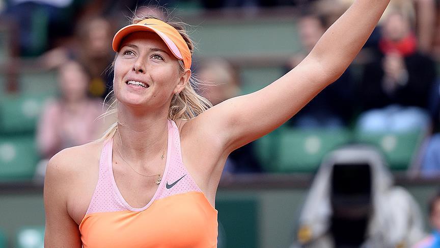 Rus tenisçi Şarapova, telefon numarasını takipçileriyle paylaştı