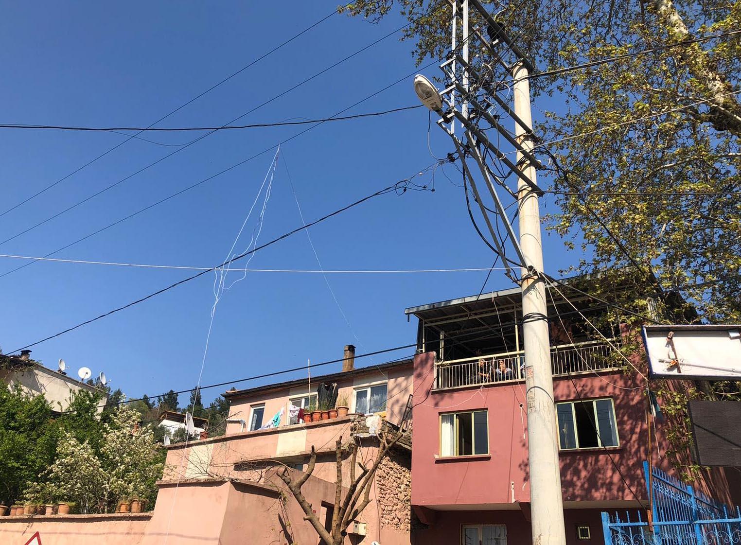 Elektrik trafosu patladı: 1 yaralı