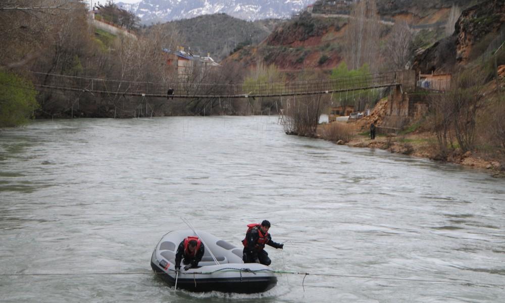 Gülistan Doku'yu arayan ekipler başka bir kadının cansız bedenini buldu