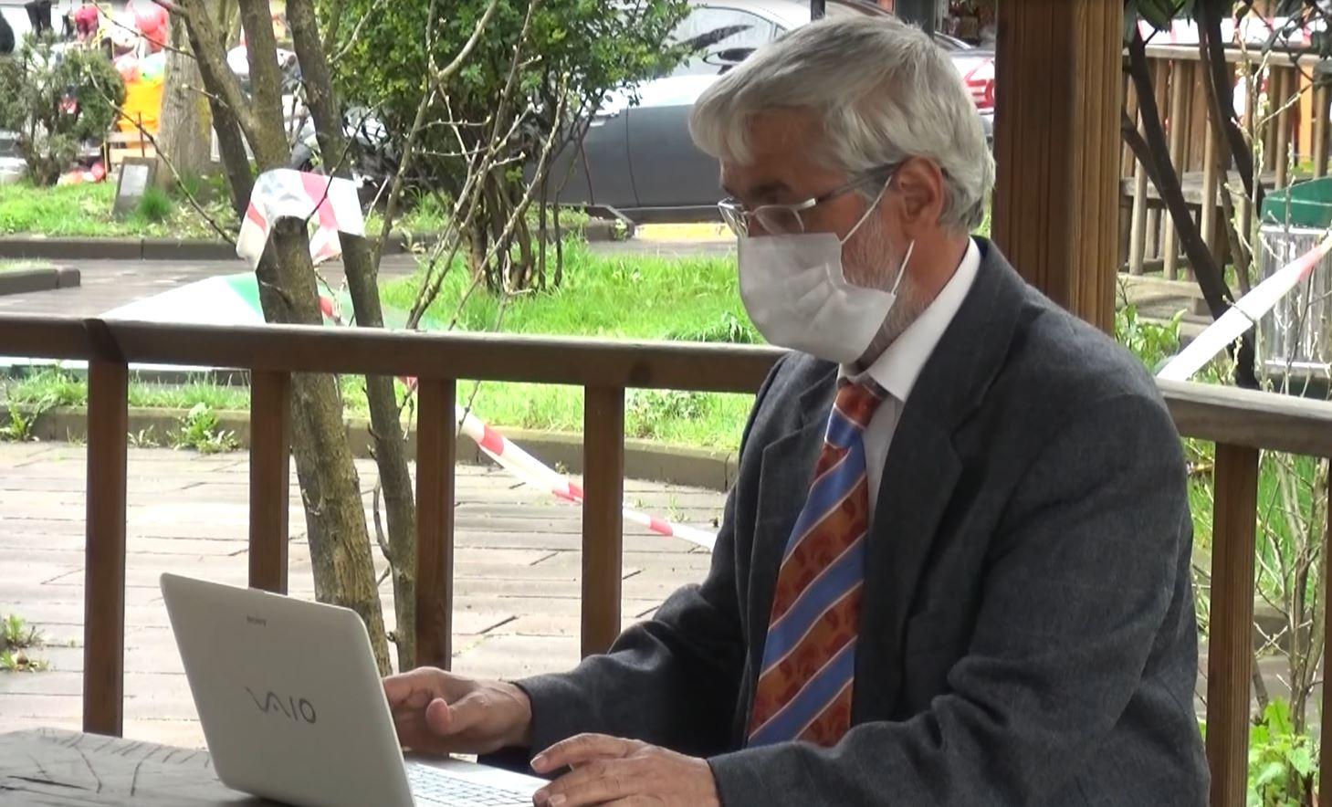 Profesörü, Koronavirüs Bilim Kurulu üyeliği teklifiyle dolandırmaya kalkıştılar
