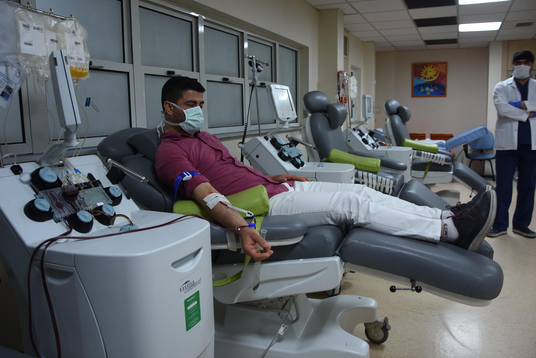 'İmmün plazma uygulanan hastaların sağlık durumu iyiye gidiyor'