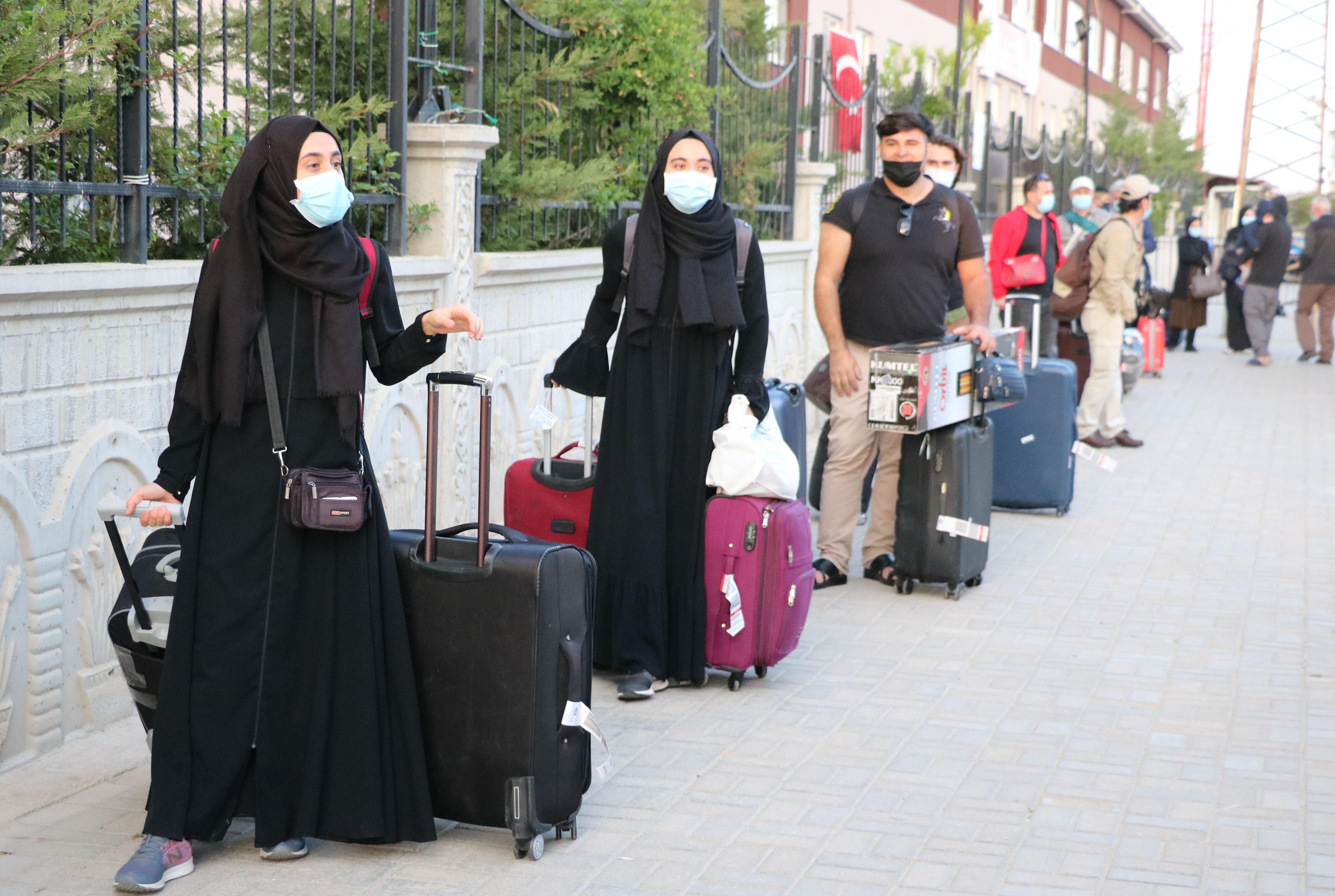 Suudi Arabistan'dan getirilen 182 Türk vatandaşı karantinaya alındı