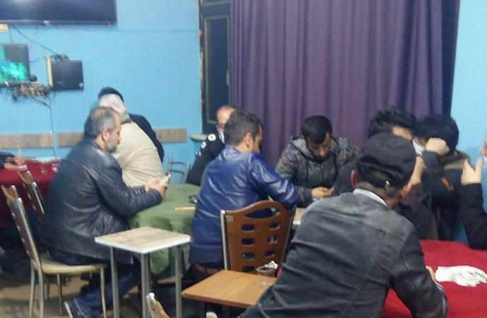 Konya'da, sosyal mesafe kuralına uymayan 21 kişiye 25 bin TL ceza