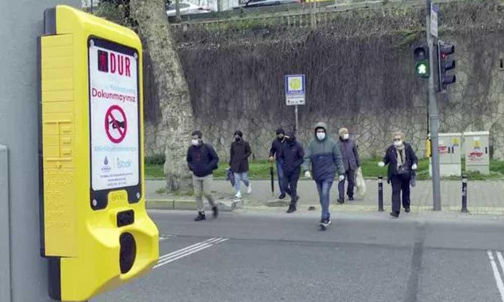 İstanbul'da koronavirüse karşı temassız yaya butonu