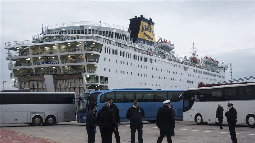 Yunanistan'da karantinaya alınan gemideki görevli, geçirdiği 40 günü anlattı