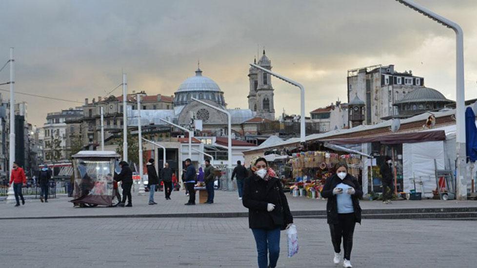Bakan Koca, 'Bir kişi 16 kişiye bulaştırıyor' dedi, uzmanlar yanıtladı: İstanbul'da problem olduğu açık