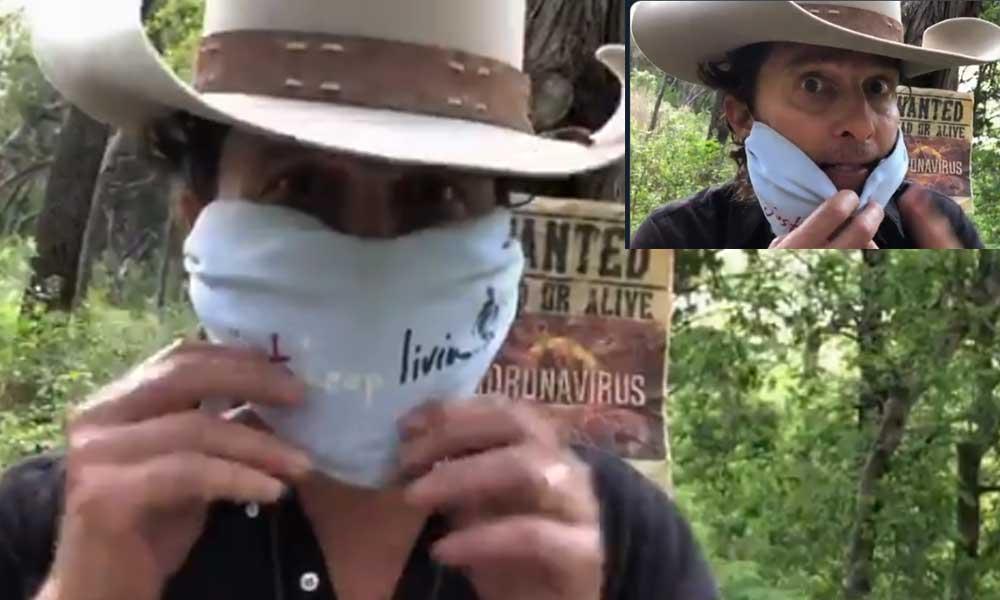 Ünlü aktör Matthew McConaughey kovboy kılığına girerek maske tarifi verdi