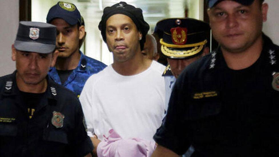 Ronaldinho'nun cezası ev hapsine çevrildi! Kefaletine servet ödendi